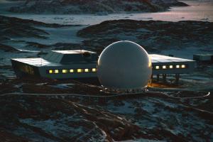 41ft Antarctica Installed